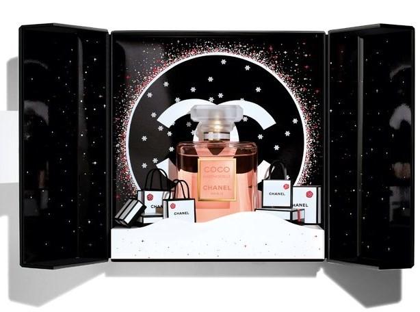 シャネルの2019年クリスマスコフレ:シアターコフレ